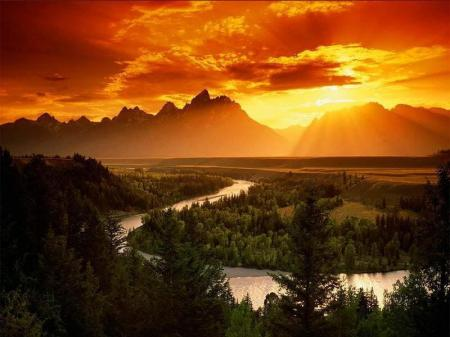 SUNSET MOUNTAIN RANGE PHOTO.jpg